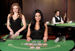 Evolution Gaming - Live Casino Hold'em Poker